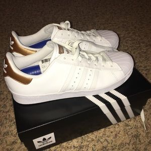 Adidas Superstar NIB Never worn
